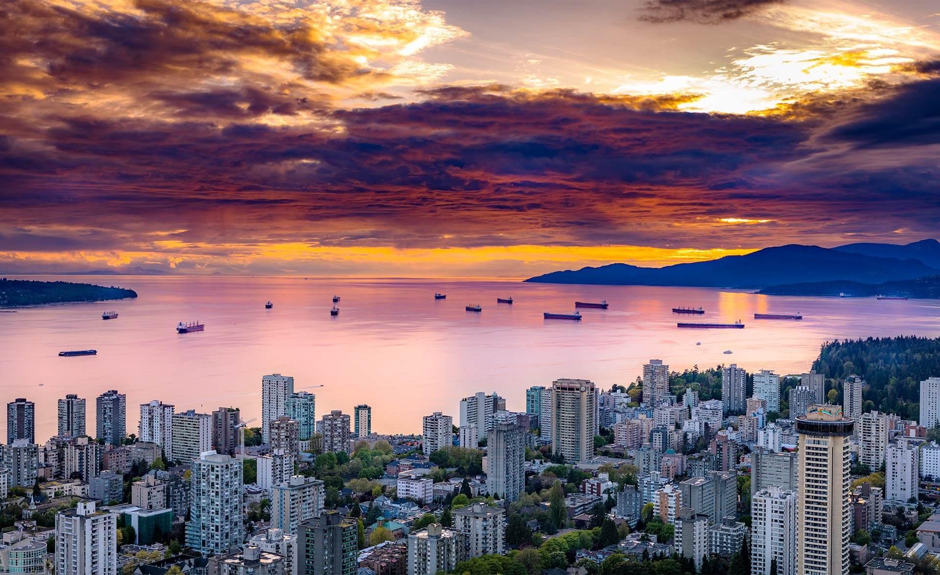 Harbor of English Bay, Vancouver, Canada (Photo Mike Benna, Unsplash)